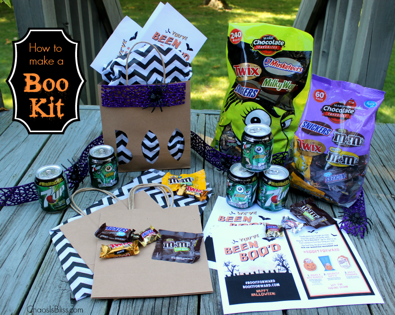 Have some family fun in your neighborhood with this Boo Kit! Learn how to make a Boo Kit with a free Halloween printable. #shop